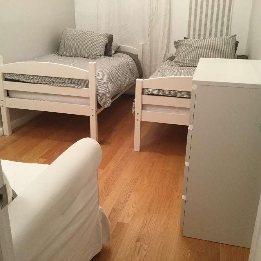 3人房 room