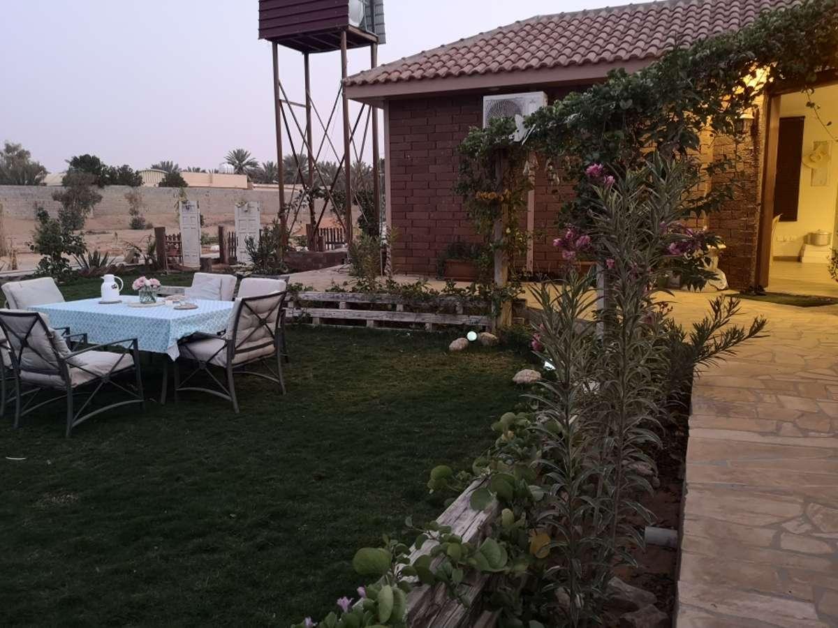 Host family in jaww, almozahmiyah , Saudi Arabia