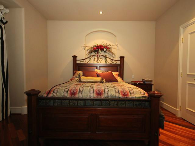 One single bed room